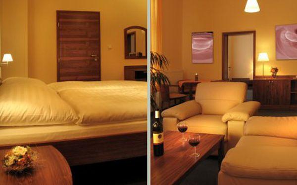 Třídenní pobyt pro 2 osoby v luxusním ParkHotelu Centrum ve Slovenském ráji za pouhých 1230 Kč. Cena zahrnuje ubytování na 2 noci pro dvě osoby. Hotel se nachází ve Spišské Nové Vsi na ideálním místě pro turistiku a poznávání panenské přírody.