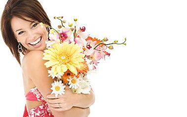 Udělejte radost kyticí květin jen za 150Kč! Paní učitelce za vysvědčení, k promoci, k narozeninám, k výročí nebo jen tak z lásky. Všechny tyto události si zaslouží krásné květiny, které znásobí radost a vykouzlí úsměv na tváři všech, ať jsou malí, velcí,