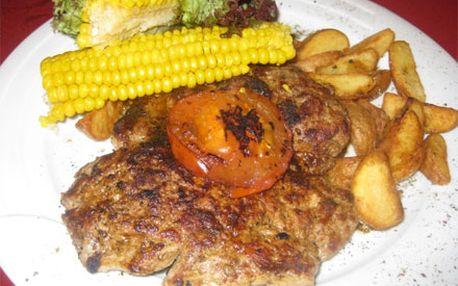 300 g grilované šťavnaté krkovičky s americkým bramborem a vařenou kukuřicí jen za 99 Kč.