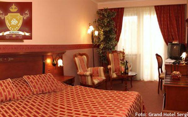 4319 Kč (běžná cena 8640 Kč) za 4 dny ve 4* Grand hotelu Sergijo pro 2 v krásných lázeňských Piešťanech! Sauna s perličkovou koupelí a sektem, bohaté snídaně - i BIO, skvělé večeře, welcome drink a billiard. Objevte krásy Slovenska!