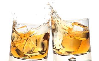 50% sleva na 4 PANÁKY WHISKEY dle Vašeho výběru (výběr z 20 druhů prvotřídních whiskey) v baru HZK Whiskey bar Chicago 1930! K tomu získáte 10 her fotbálku! Zažijte atmosféru Chicaga 30.let a roztočte to s přáteli tak jak to uměl jen Al Capone!