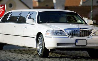 PRONÁJEM LIMUZÍNY Lincoln 120 na 2 hodiny včetně řidiče až pro 8 osob. 50 km v ceně i s přistavením, lahví sektu a 25% slevou na sortiment baru za 2698 Kč. ZAŽIJTE TU NEJSTYLOVĚJŠÍ OSLAVU!