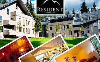 Udělejte si výlet nejen za sportem! Pojeďte do Harrachova a užívejte si wellness, skvělou kuchyni a panenskou přírodu. Tři dny s polopenzí pro dvě osoby v moderním hotelu Resident Harrachov se slevou 62 %.