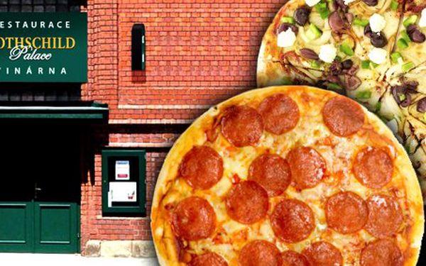 149 Kč za DVĚ libovolné pizzy v Rothschild Palace dle výběru se slevou 51%.