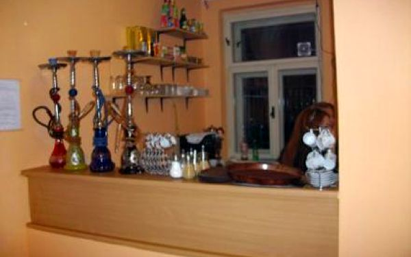 5 hodín interneru v internet cafe DIYAR za 5,99€ a k tomu vodná fajka v cene 4,50€ ZDARMA