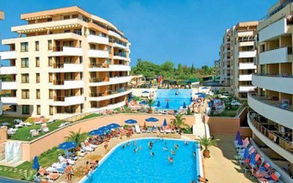 Pronájem luxusního apartmánu ve **** hotelovém komplexu Hermes v Bulharsku se slevou 40 %! Plně vybavený apartmán v krásném, nově otevřeném hotelupro 3 osoby na 1 noc za skvělých 960 Kč! Apartmán se nachází pouhých 60 metrů od moře v oblibéném letovisku Tsarevo!
