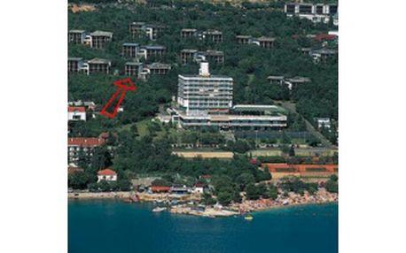 25% - SUPER CENA - pouhých 5.990,- Kč z 7990 Kč za týdenní pobyt s polopenzí (švédské stoly) v Chorvatsku v hotelovém pavilonu (nejbližší k moři - cca 150 m) Ad Turres v Crikvenici.