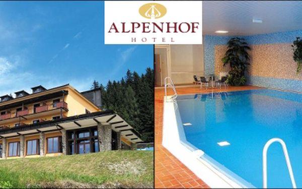 Třídenní pobyt s polopenzí, saunou, volným vstupem do bazénu za 1 625,- Kč. Poznejte krásy Rakouských Alp a užijte si letní relax v luxusnímhotelu ALPENHOF, kde se domluvíte česky.