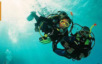 4499 Kč za základní potápěčský kurz pro dospělé i děti. Získejte osvědčení k volnému potápění s 50% slevou.