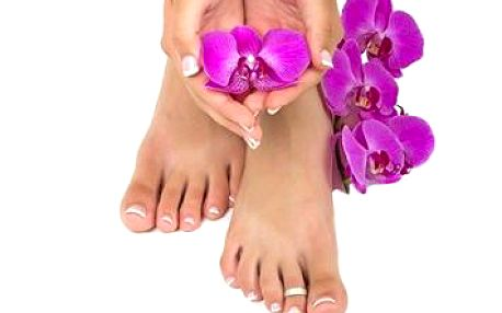 Nechajte sa rozmaznávať pri klasickej mokrej pedikúre za super cenu 8,60 €. Kúpeľ nôh, odstránenie zrohovatenej kože, masáž z produktov z mŕtveho mora, peeling a ďalšie procedúry. Doprajte si odpočinok a relaxáciu pre Vás a Vaše nohy!