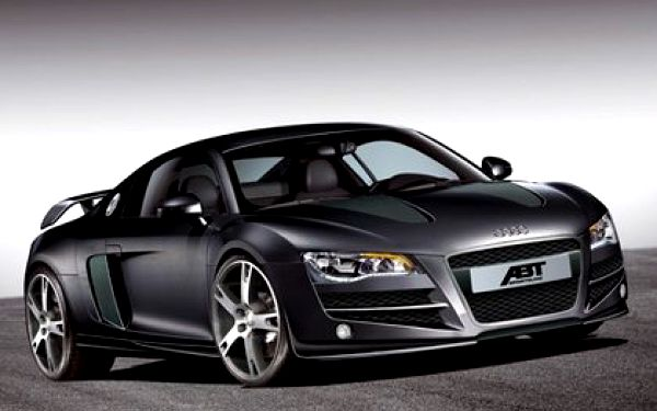 999 Kč za jízdu v Aston Martinu, Porsche 911 Turbo nebo Audi R8