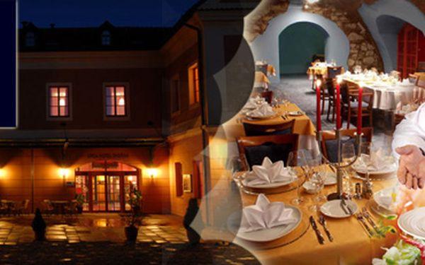 Navštivte historické město TÁBOR!! DVĚ noci pro DVĚ osoby v luxusním hotelu Dvořák****, 2x snídaně, 2x ANTISTRESOVÁ MASÁŽ a mnohem více, to vše s 50% slevou za pouhých 2550 Kč!!!