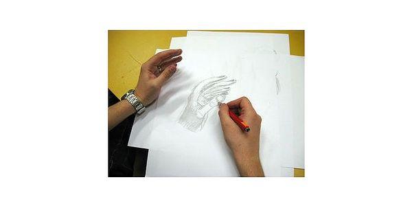 Neumím, přece kreslím s Ivanem Štroufem, autorem loga Masarykovy univerzity, jen za 150,- Kč