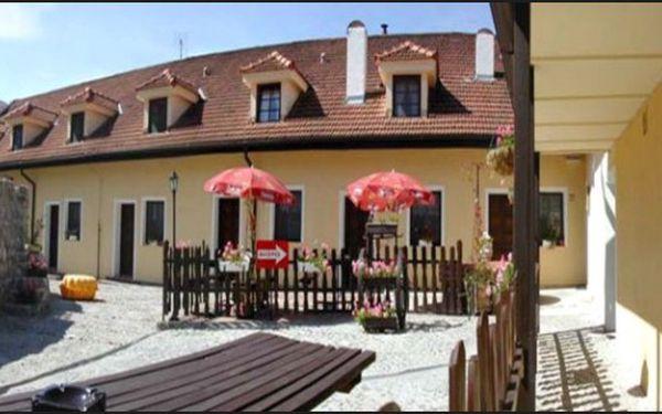 Krásný Zámecký penzion Rotunda*** v Břeclavi - Jižní Morava, lednicko-valtický areál, vinohrady. Vynikající cena 850 Kč pro 2. Památky UNESCO pár minut pěšky od penzionu!