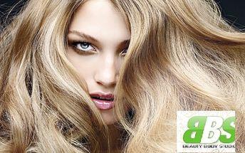 Nechte se hýčkat a získejte nádherné a lesklé vlasy, připravené na letní radovánky! Za neskutečnou cenu 399 Kč si zajděte na střih a letní regeneraci obsahující šamponovou lázeň, masku a arganový olej! To vše s 69% slevou a nadstandartní péčí v BBS!!