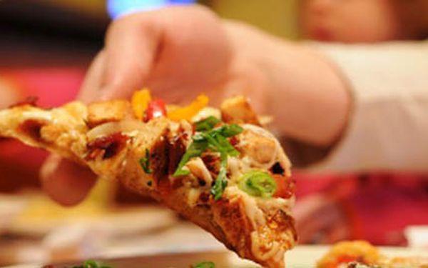 2 pizzy za cenu 1! Pravá chuť Itálie za neuvěřitelných 99,-! Pochutnejte si s přáteli na úžasné pizze dle vlastního výběru za skvělou cenu!