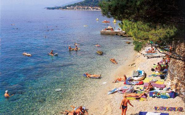 Týdenní pobyt v Chorvatsku od 3.8. do 10. 8. 2011. Zveme vás do penzionu Slaven na kraji města Podgora, jen 150m od pláže. Snídaně, přeprava a ubytování za 5130 Kč!