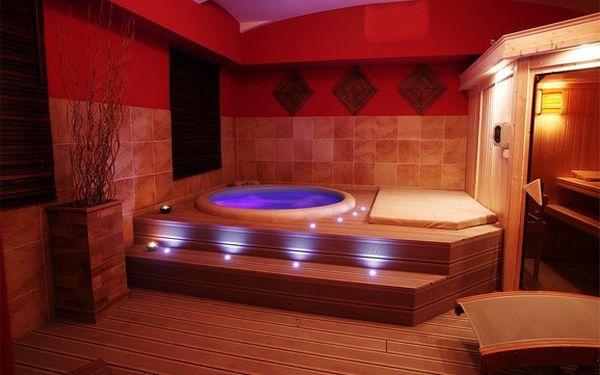 Studio Xstyle Vám představuje privátní saunu s vířivkou pro až 4 osoby, nikdo Vás nebude rušit a Vy si můžete vychutnat tu správnou atmosféru a luxus.