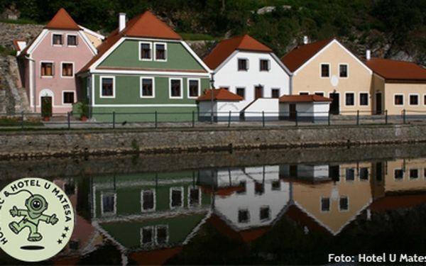 1899 Kč (běžná cena 3200 Kč) za 3 dny pro 2 osoby v hotelu U Matesa přímo na břehu Vltavy v Českém Krumlově. K tomu báječné snídaně! Užijte si parádní dny v jednom z nejkrásnějších měst v ČR!