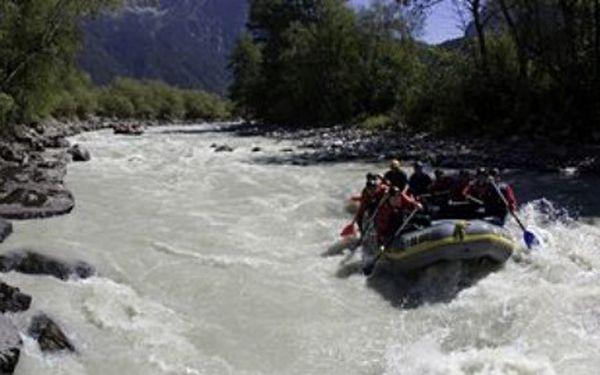 """Chystáte se na vodu? - Půjčte si s přáteli 6- ti místný RAFT """"Colorado 450"""" se skvělou 50% slevou za 320 Kč!!! Vemte si loďák aby jste byli pěkně v suchu, až se Vám podaří se udělat a HURÁ NA VODU!!!"""