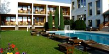 Relaxační pobyt pro DVA na 3 dny (2 noci) v Lázeňském domě NIVA II v Luhačovicích za 2790 Kč! Polopenze ve stylové Kolibě, hotel. bazény, fitness a...