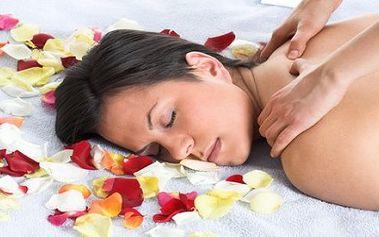 465 Kč ( původní cena 930 Kč ) za 60 minut Hawaiské masáže LOMI LOMI a 30 minut Indické masáže hlavy. Přeneste se na snovou Hawai díky speciální a maximálně relaxační masáži Lomi Lomi ! Nechejte svá záda, šíji a nohy hýčkat v rukou profesionální masérky. Vyzkoušejte perlu mezi masážemi.