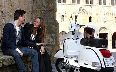 Jedinečná nabídka! Zapůjčení SKÚTRU NA CELÝ DEN za úžasnou cenu 290 Kč!!Cena zahrnuje: půjčení, helmu, bezpečnostní zámek, pojištění, povinnou výbavu mapu, vestu. Prožijte originální letní výlet s Vaším partnerem a objevujte krásy Prahy na skútru!