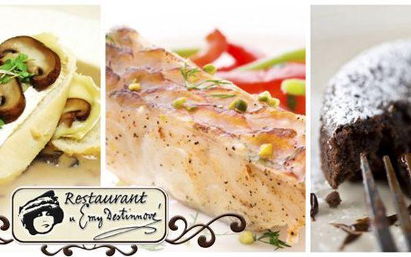 799 Kč za luxusní degustační menu PRO DVA v restaurantu U Emy Destinnové v hodnotě 1830 Kč! Domácí paštička z divočáka, šampaňský sorbet, báječná grilovaná ryba i čokoládové soufflé s omáčkou Jim Beam.