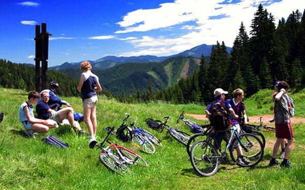 Dovolená v KRKONOŠÍCH pro 2 osoby na 4 dny se snídaní v horské chatě Skácelka na Lysé hoře jen za 1199 Kč! Skvělá lokace pro cykloturistiku i pěší túry a pestrá nabídka volnočasových aktivit.