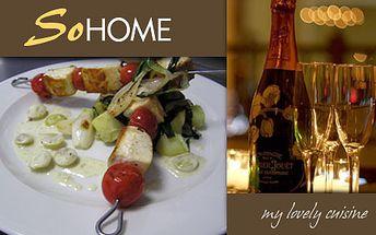 Ražniči z maslovej ryby s muškátovým hroznom na smotane, na platni pečenými zemiakmi so špenátom, jarnou cibuľkou a cuketou len za 5,50 €! Úžasné jedlo so zľavou 52%!