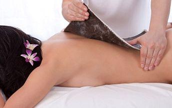Aby záda nebolela! Hodinová relaxační kúra cílená na ostranění bolesti zad. Kombinace rašlinového zábalu a následné masáže zad a šíje.