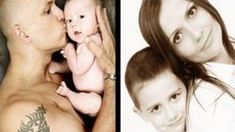 Zvečnite svoje lásky u profesionálneho fotografa! Rodinný portrét+ fotokniha s 10 upravenými fotkami, 30 fotkami na CD vo farbe,v prevedení čiernobiela a sépia!!!