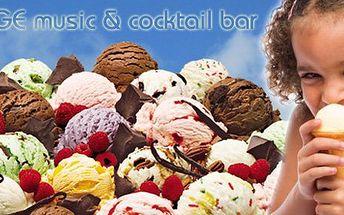 22 Kč za TŘI kopečky domácí ručně dělané zmrzliny v koktejlovém baru New Age. Lahodná zmrzlina s 51 % slevou