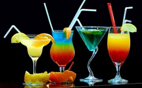 VŠECHNY KOKTEJLY po CELÝ VEČER se slevou 51 % v Zapa Baru, finalisty soutěže Czech Bar Awards. Za pouhých 39 Kč získáváte slevu na všechny koktejly! Například osvěžující Mojita za pouhých 60 Kč!
