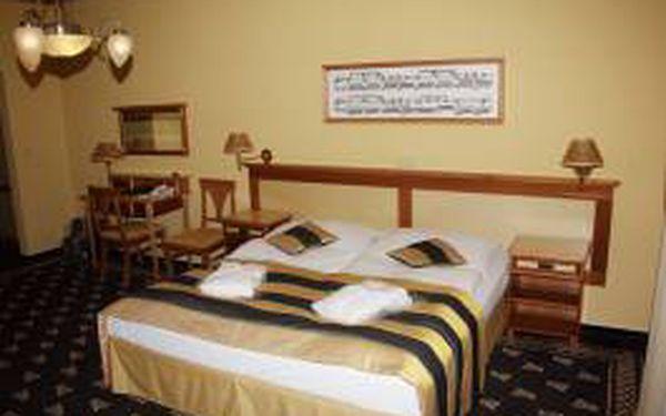 Super last minute!!! Luxusní dámská jízda - 4dny /3 noci v MARIÁNSKÝCH LÁZNÍCH se snídaní, obědem a masážemi v krásném 4* hotelu Richard za 3273 Kč pro 1 osobu.