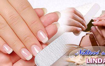 Upravené nehty jsou nositelem ženskosti! Salon Linda nabízí doplnění francouzských gelových nehtů a následné zdobení kamínkem , čárkou, nebo třpytkami !!