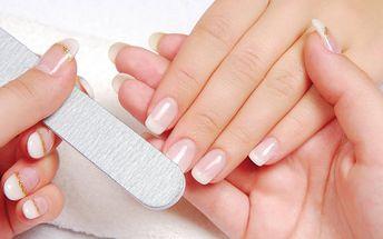 Nehty jsou nositelem ženskosti! Salon Linda nabízí doplnění francouzských akrylových nehtů a následné zdobení kamínkem , čárkou, třpytkami nebo malováním se slevou 56% !!