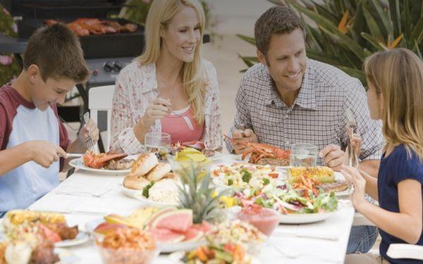 Nedělní oběd i s dezertem pro rodinu, již za 459 Kč
