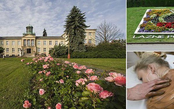 Jen 2 850 Kč za víkendový pobyt v nejluxusnějším hotelu Zámeček**** v lázních Poděbrady! Dopřejte si odpočinkový víkend s bohatou polopenzí, kafíčko se zákuskem a masáž dle vlastního přání!