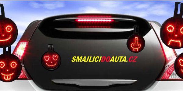 590 Kč za elektronické smajlíky do auta. Vytuňte si svého miláčka vtipnou komunikační pomůckou s 54% slevou.
