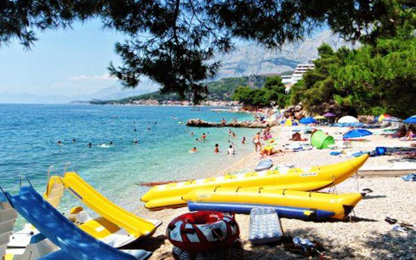 Týdenní pobyt v Chorvatsku od 7. 9. do 14. 9. 2011. Zveme vás do penzionu Slaven na kraji města Podgora, 150m od pláže. Snídaně, přeprava a ubytování za 4548 Kč!