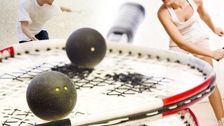 Protáhněte svoje těla! Hrajte squash a budete jak střela! Zápůjčení kompletního vybavení a pronájem squash kurtu pro dvě osoby se slevou 74%.