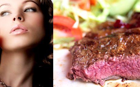 """DVA pořádné steaky (2x 250 gramů), k tomu vynikající víno Luis Felipe Edwards a DVĚ přílohy dle vašeho výběru (standardně podáváme se salátem) - to vše za neskutečnou cenu 249,- Kč (původní cena 764,- Kč)! Dopřejte si romantickou večeři (při svíčkách), či """"pouze"""" atraktivní večeři nebo oběd v příjemné restauraci. Upozornění: kombinace výborného jídla a příjemného prostředí může být návyková!"""