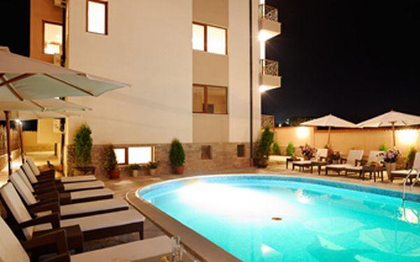 LAST MINUTE! Pronájem luxusního apartmánu ve **** hotelovém komplexu Stanny Court v Bulharsku se slevou 48 %! Plně vybavený apartmán v krásném, nově otevřeném hotelupro 4 osoby na 1 noc za skvělých 1197 Kč = pouhých 299 Kč za 1 osobu a noc! Apartmán leží na písečném Slunečném pobřeží u oblíbeného letoviska Nessebar!