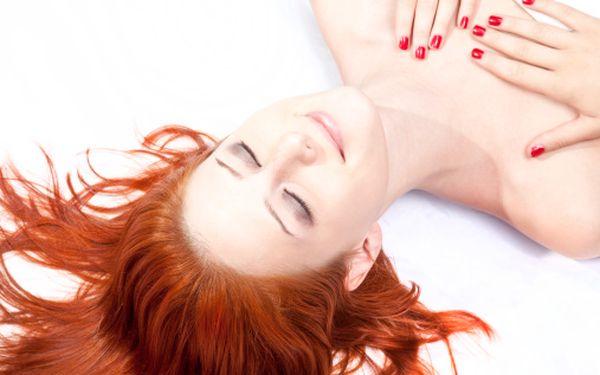 559 Kč za kompletní vlasovou péči včetně barvení v původní hodnotě 1100 Kč