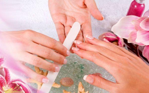 Dopřejte svým rukám dokonalý vzhled! Manikúra, p-shine a parafínový zábal - skvělá péče pro Vaše ruce za neuvěřitelnou cenu 165 kč! Dopřejte jim to, co si zaslouží!