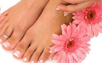 JEN 185,- za gelová modeláž NEHTŮ NA NOHOU antimykotickým UV gelem! Krásné a upravené nožičky do letních sandálků jsou jako perličky v kapce moře. Nic vaše nohy nezkrášlí víc než upravené nehty.