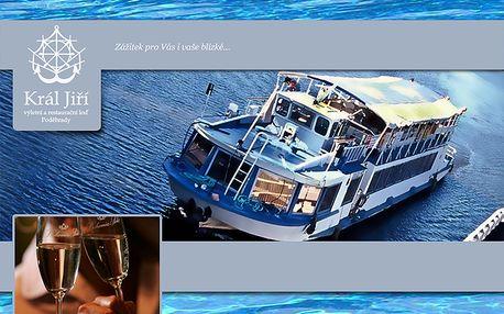 Romantická večerní plavba lodí pro dva v poděbradech jen za 280 kč! Sekt zdarma! Ještě 2 zářijové termíny!