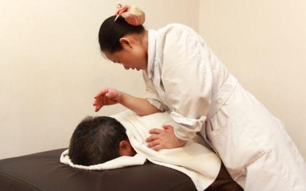 340 Kč za relaxační celotělová havajskou masáž Lomi-Lomi v hodnotě 680 Kč