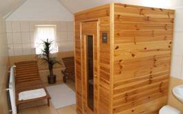 Pobyt plný relaxace a odpočinku v hotelu v krásné přírodě BESKYD! 3 denní pobyt pro 2 s polopenzí za 1399 Kč! V komfortním hotelu můžete využít saunu a další WELLNESS služby! Děti za minimální ceny!!!